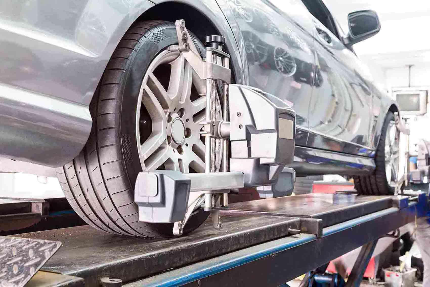 car wheel alignment service